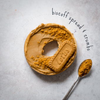 Biscoff Spread & Crumbs Bagel