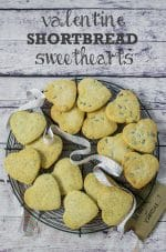 Recipe: Valentine Shortbread Sweethearts (Vegan)