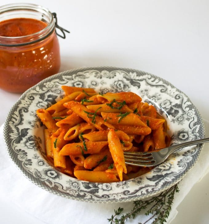Roasted Tomato Arrabbiata Sauce Recipe #Vegan #Vegetarian