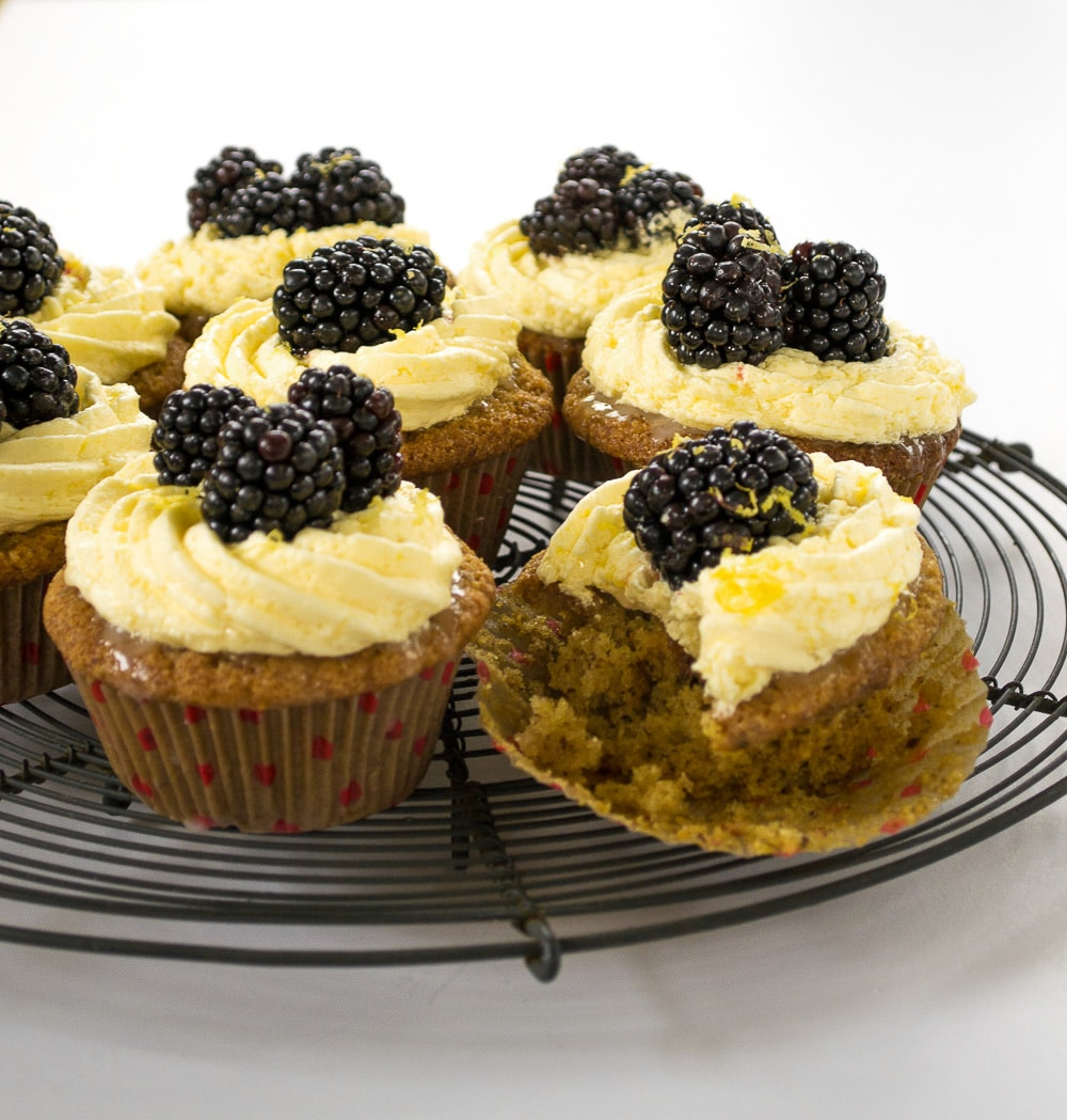 Lemon Drizzle & Blackberry Cupcakes Vegan
