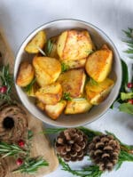 Recipe: Crispy Vegan Roast Potatoes with Garlic & Rosemary