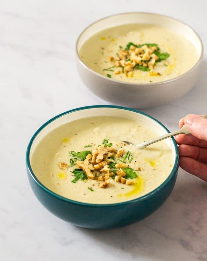 Roasted Jerusalem Artichoke & Parsnip Soup (#Vegan)